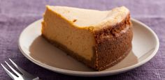 Pumpkin Cheesecake By Paula Deen For fall flavor, bake Paula Deen's popular Pumpkin Cheesecake recipe from Food Network. No Bake Pumpkin Cheesecake, Chocolate Cheesecake, Chocolate Recipes, Cheesecake Brownies, Cheesecake Desserts, The Cheesecake Factory, Pear Cake, Salty Cake, Lemon Recipes