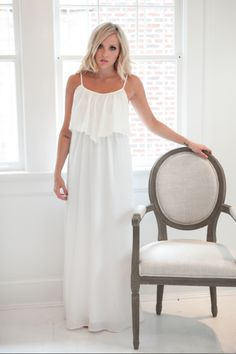 I love this dress! It's so fresh looking! Perfect for a cruise or a long walk on the beach #romantic