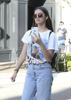 #Hollywood, #IPhone, #MaiaMitchell, #Shopping Maia Mitchell Chatting On Her iPhone - Shopping at The Grove in West Hollywood – 04/05/2017 | Celebrity Uncensored! Read more: http://celxxx.com/2017/04/maia-mitchell-chatting-on-her-iphone-shopping-at-the-grove-in-west-hollywood-04052017/
