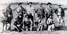 American volunteers who joined the Boers against the British Empire. Arthur Alfred Lynch, commander of the Irish Brigade, stands in the centre of the back row, wearing a white jacket. War Novels, Innocent Child, Fight For Freedom, My Heritage, African History, Warfare, South Africa, Vintage Photos, Empire
