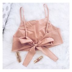 Find and save up to date fashion trends and the latest style inspiration, ootd photography and outfit looks Fashion Sewing, Diy Fashion, Ideias Fashion, Fashion Outfits, Womens Fashion, Diy Clothing, Sewing Clothes, Pretty Outfits, Cute Outfits