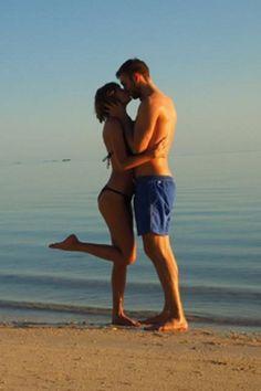 Pin for Later: Seht Taylor Swift und Calvin Harris bei ihrem heißen Strandurlaub