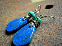"The+rich,+natural+color+of+the+lapis+teardrop+earrings+is+just+stunning.+The+hand+cut+gemstone+""tabbies""+are+created+in+our+studio+with+care+"
