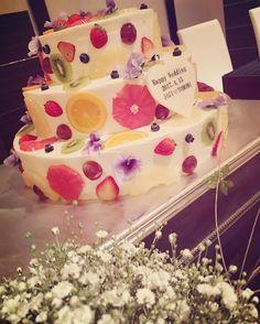 今披露宴で一番人気のフルーツ断面ケーキのデザインまとめ   marry[マリー]