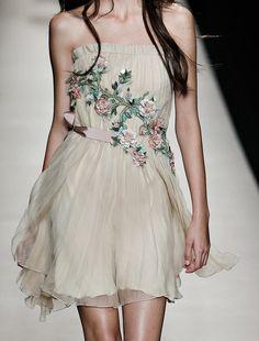 the-chanel-charade:  chanel-oh-la-la:  nectarine-nectar:alberta ferrettiss 15    fashion blog    Beautiful
