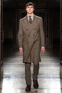 1. Hackett London Menswear Autumn/Winter 2014-15- round toe shoes