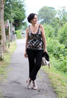 Easy-chic party look with a sequin top