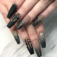 Unique Matte Nail Art Designs You Must Try - Nail Art Connect Almond Nails Designs, Black Nail Designs, Nail Art Designs, Stiletto Nail Designs, Unique Nail Designs, New Years Nail Designs, Glam Nails, Bling Nails, Beauty Nails