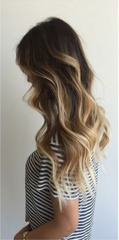 """Natural hair with few """"chunky"""" highlights - balayage - Happy New Year 2019 Love Hair, Great Hair, Gorgeous Hair, Ombre Hair, Balayage Hair, Honey Balayage, Hair Day, New Hair, Corte Y Color"""