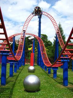Sonic spinball at Alton towers! Best Roller Coasters, Thorpe Park, Carnival Rides, Park Resorts, Attraction, Tower, 1 Place, Amusement Parks, Cayman Islands