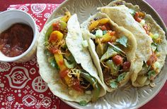 Pineapple is the star in these Tropicana Pulled Pork Soft Tacos. Hard to believe they are low carb! Banting Recipes, Low Carb Recipes, Diabetic Recipes, Mexican Food Recipes, Vegetarian Recipes, Ethnic Recipes, Guacamole, Soft Tacos, Paleo Dinner