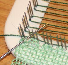 Pin Loom – Weaving a History Pin Weaving, Weaving Tools, Weaving Projects, Weaving Art, Tapestry Weaving, Loom Weaving, Loom Knitting Patterns, Macrame Patterns, Weaving Patterns