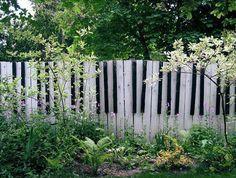 Креативные декоративные заборы для дома и сада