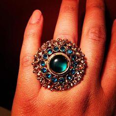 Jewelry Rings, Jewelry Accessories, Women Jewelry, Fashion Jewelry, Jewelry Design, Jewellery, Unique Diamond Rings, Diamond Gemstone, Gold Rings