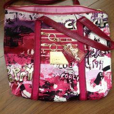 Coach Tote Handbag Coach tote handbag. Excellent condition. Minimal use. Coach Bags Totes