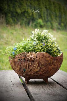 Flower Pots, Flowers, Plant Holders, Pottery Ideas, Planter Pots, Ceramics, Studio, Inspiration, Handmade Home Decor