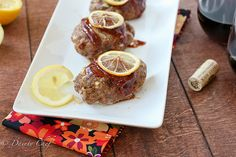 These Lemon BBQ Mini Meatloaves will forever change your opinion on meatloaf. They are packed with flavor. Chicken Meatloaf, Bbq Meatloaf, Savoury Finger Food, Finger Foods, Weird Food, Appetisers, I Love Food, Beef Recipes, Finger Food