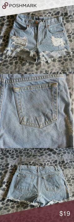 💥FLASH SALE🏁BRANDY 💟 MELVILLE Jean Shorts BRANDY 💟 MELVILLE Jean Shorts Little mark on the right butt. I tried to picture but not noticeable enough to capture. Brandy Melville Shorts Jean Shorts