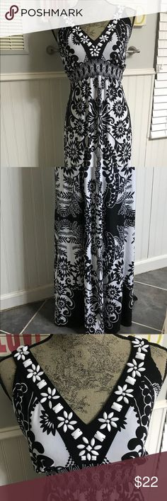 Style & Co. Black and White Maxi Dress Style & Co. Black and White Maxi Dress Style & Co Dresses Maxi