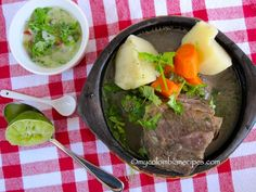 Caldo de Costilla (Colombian Beef Ribs Broth) use red or hawain sweet potatoes instead of white potatoes Colombian Dishes, My Colombian Recipes, Colombian Cuisine, Cuban Recipes, Beef Recipes, Colombian Breakfast, Breakfast Soup, Spanish Dishes, Spanish Food