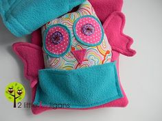 fat quarter friday {Haidee the HOOligan owl stuffie & a carrier tutorial}