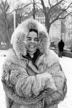 Snowy style inspirations from the icons who did it best: Ali Macgraw