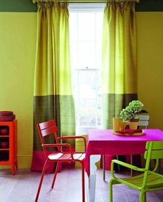 color block curtains in a breakfast room Bright Dining Rooms, Dining Room Colors, Dining Room Design, Dining Area, Kitchen Design, Dining Sets, Small Dining, Home Interior, Modern Interior Design