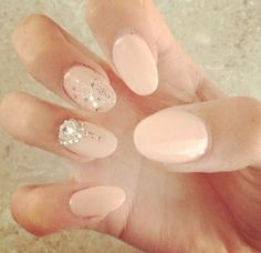 Nude & glitter #nails