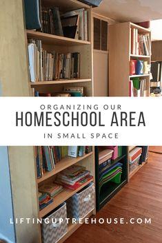 Homeschool Area for small spaces | Lifting Up Treehouse #homeschoolclassroom #hommeschool #smallspaces