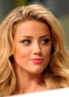 Amber Heard au 2008 Comic Con International Day Two. Most Beautiful Faces, Gorgeous Women, Amber Heard Hot, Amber Heard Movies, Amber Head, Blond, The Danish Girl, Hollywood, Celebs