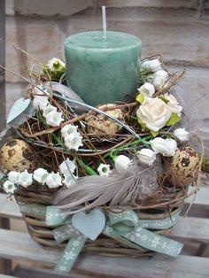Ostergesteck mit Kerze im Korb,Maiglöckchen,petrol