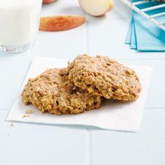 Apple crumble cookies – 5 ingredients 15 minutes – Foods and Drinks Diabetic Snacks, Healthy Snacks For Diabetics, Diabetic Recipes, Healthy Recipes, 15 Minute Desserts, A Food, Food And Drink, Desserts With Biscuits, Raisin Cookies