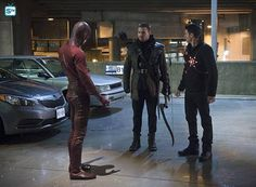 #TheFlash #1x22 - Rogue Air - Promo Photos ||| Oliver Ronnie and Barry in action in Centrarl City || #Arrow #StephenAmell #RobbieAmell #GrantGustin