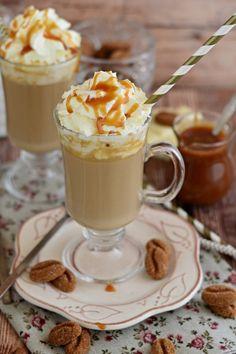 Fehér csokoládés frapucsínó sós karamellel recept Beverages, Drinks, Panna Cotta, Recipies, Food And Drink, Cocktails, Pudding, Cooking Recipes, Breakfast