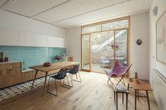 De dos a cuatro plantas - AD España, © Nieve | Productora Audiovisual