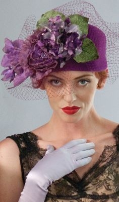 http://www.boomerinas.com/2012/08/17/how-to-wear-a-hat-rules-etiquette-for-women/