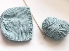 Capota Talla 0/3 meses Aguja 3,5mm Knitted Baby Clothes, Baby Hats Knitting, Knitting For Kids, Baby Knitting Patterns, Knitting Designs, Doll Patterns, Free Knitting, Knitted Hats, Crochet Mask