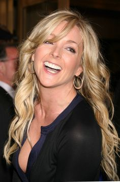Jane Krakowski born Jane Krajkowski October 11 1968 is an American actress and singer She is best known for her role as Jenna Maroney in the NBC comedy Beautiful Smile, Most Beautiful Women, Jane Krakowski, Celebs, Celebrities, Curled Hairstyles, Girl Humor, True Beauty, Beautiful Actresses