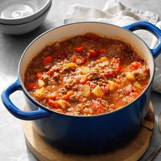 Favorite hamburger stew I got this hamburger stew recipe from a woman at our church, Lois Henry, when I needed a way to use up our bounty of home-canned tomatoes. My husband loves it, and I like that it's easy to warm up … Potluck Recipes, Meat Recipes, Crockpot Recipes, Cooking Recipes, Potluck Ideas, Healthy Recipes, Simple Recipes, Recipes Dinner, Recipes