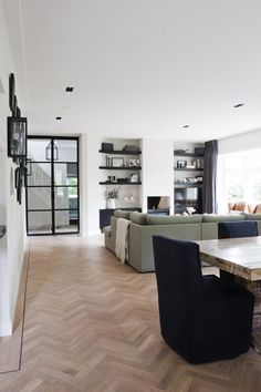 James Brick | Amsterdam Visgraat houten vloer Www.woodbyvorselaars.nl