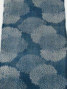 "Vintage Japanese indigo fabric ""KATAZOME"" and ""AIZOME"" Free shipping! No.15061010 Japanese Textiles, Japanese Patterns, Japanese Fabric, Japanese Design, Textile Patterns, Embroidery Patterns, Floral Patterns, Hand Embroidery, Silk Art"