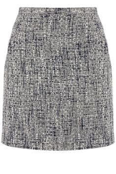 Tweed never goes out of fashion and this chic mini skirt is one of our favourite pieces right now. The skirt features a textured boucle effect across the fabric and has a high waistline. The piece is finished with an exposed zip fastening on the reverse.