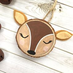 Items similar to Personalised Woodlands Deer wood slice art. Deer Tree Art on Etsy Handmade Christmas Decorations, Christmas Ornament Crafts, Christmas Wood, Christmas Projects, Holiday Crafts, Beach Christmas, Deer Wood, Deer Ornament, Diy Weihnachten