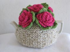 rose tea cosy (tea cozy) for your teapot; handmade by nana@cutiepiehats.com.