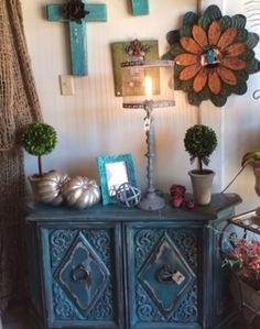 Love, Love this Turquoise Table at Stuffology!!!