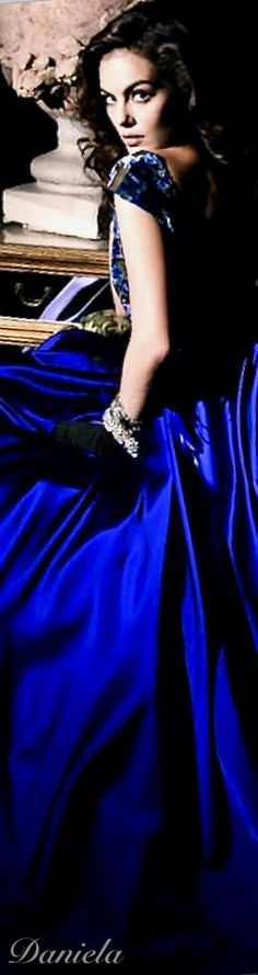Paris Appartment, Blue Fashion, Fashion Show, Black Tie Affair, Something Blue, Color Azul, Shades Of Blue, Royal Blue, Glamour