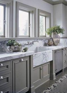 Gorgeous 44 Luxury Farmhouse Kitchen Decorating Ideas https://cooarchitecture.com/2017/06/14/44-luxury-farmhouse-kitchen-decorating-ideas/
