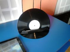 vinyl tablet stand