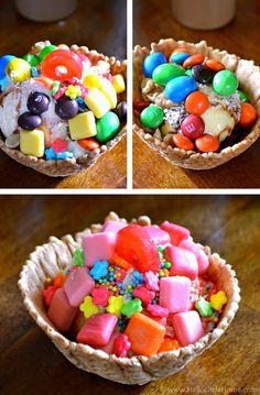 Three Sundaes made from a candy-covered DIY Ice Cream Sundae Bar. Sundae Toppings, Sundae Bar, Ice Cream Toppings, Easy Dessert Bars, Dessert Table, Dessert Recipes, Desserts, Birthday Cake Gift, Cool Birthday Cakes