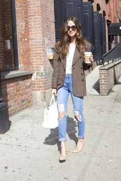 Style Guide: How to wear boyfriend jeans this spring? Passion For Fashion, Love Fashion, Autumn Fashion, Fashion Outfits, Casual Outfits, Street Style Blog, Street Chic, Look Formal, All Jeans